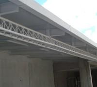 D&M Engenharia Cobertura estacionamento treliça triangular e perfil U