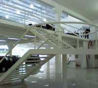 Superauto – Escada e mezanino 01